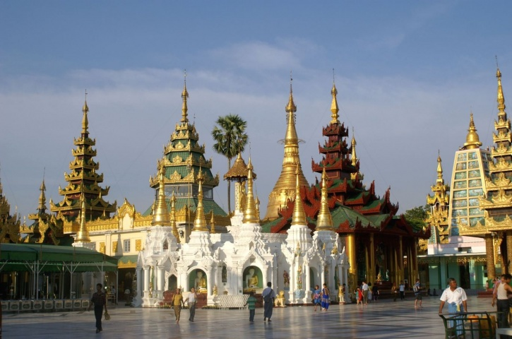 myanmar-enjoy-your-holiday_1421317128_725x725