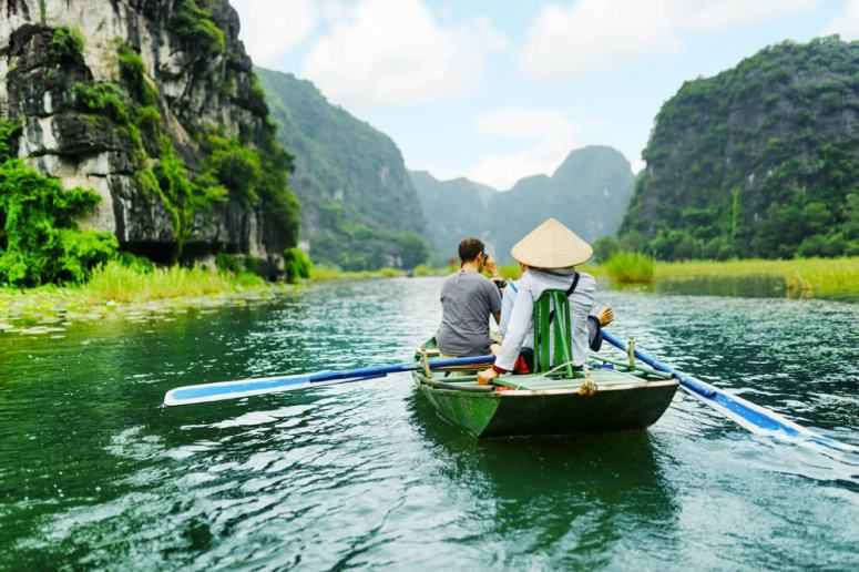 Hanoi-to-Ninh-Binh-to-experience-Tam-Coc-Boat-Tour-1-1